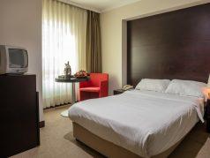 bentley-ekonomi-room2